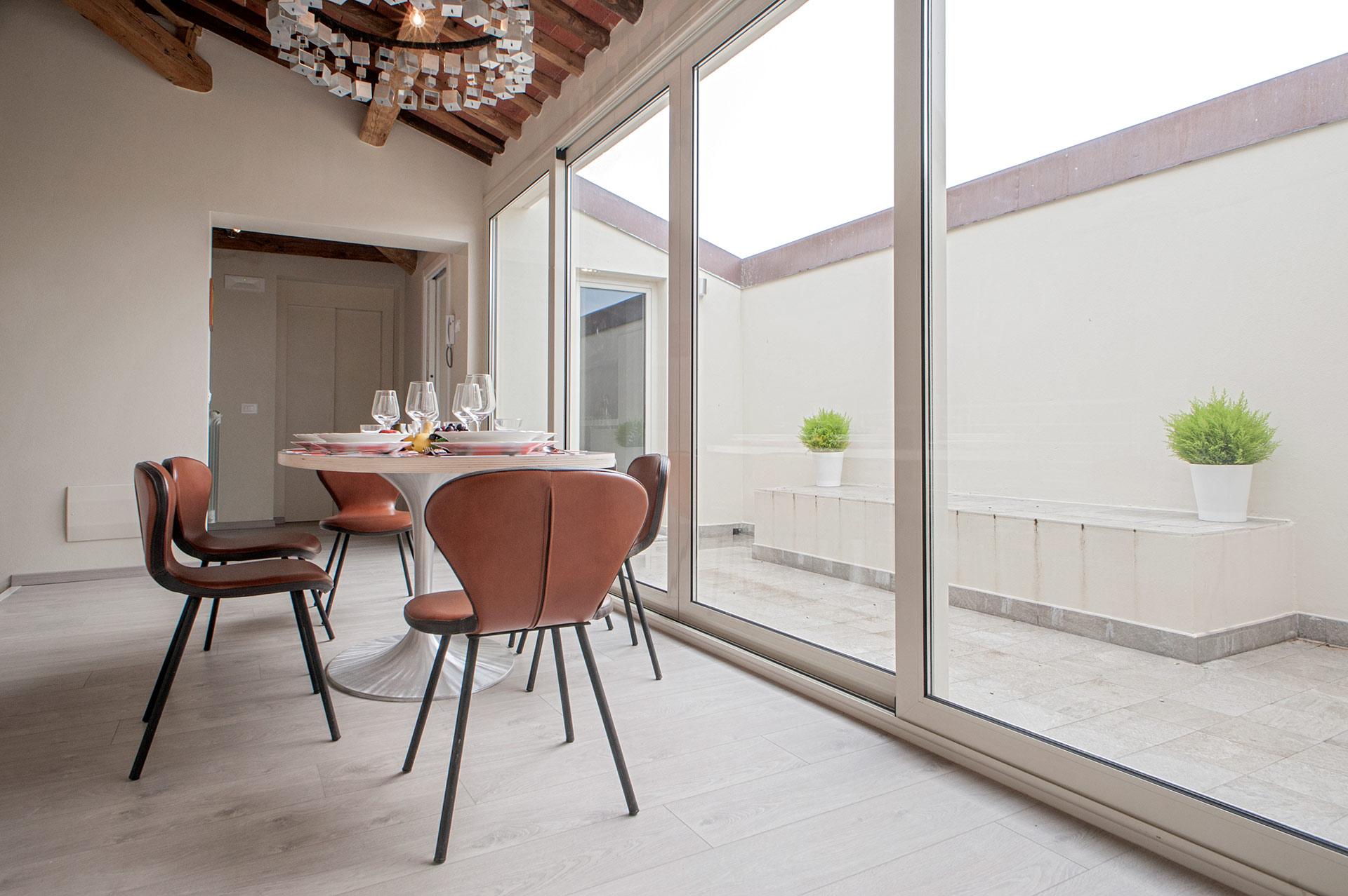 servizio fotografico di interni a Lucca in villa in stile liberty